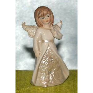 Engel steekt vinger op