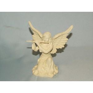 Engel speelt op fluit